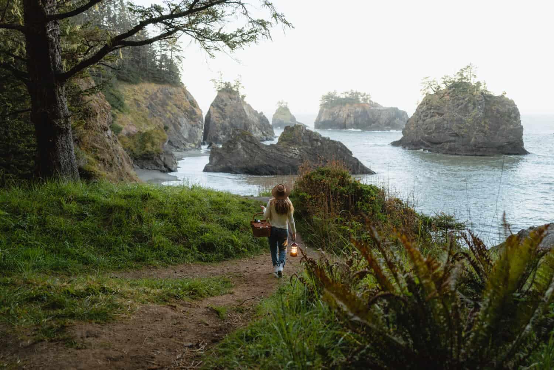 Emily Mandagie en Samuel H Boardman cerca de Harris Beach State Park
